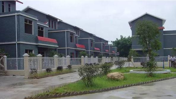有钱了就盖一栋30万农村别墅款式自建房设计图效果