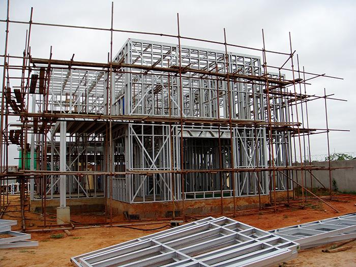 顺筑房屋轻钢结构房屋采用澳标g550az150镀铝锌轻钢龙骨,经计算机软件