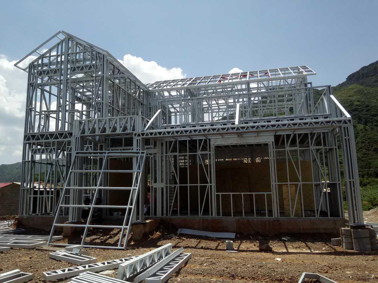 农村老房子翻新改造,选用轻钢结构,更洋气!